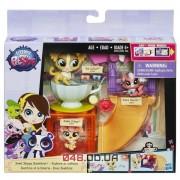 Игровой набор Littlest pet shop Сладкий магазин (игровая площадка) котенок и собачка B2957/A7642