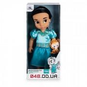 Кукла-малышка принцесса Жасмин Дисней Animators 2015 года с игрушкой на руке