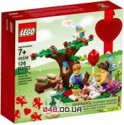 LEGO Exclusive Романтический пикник на День Святого Валентина (40236)