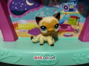 Фигурка Littlest pet shop Кошка стоячка египетская с сердечком на мордочке
