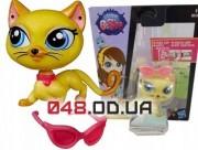 Фигурка Littlest pet shop Кошка Миу-Миу Ривз сиамская желтая с очками (B0106)