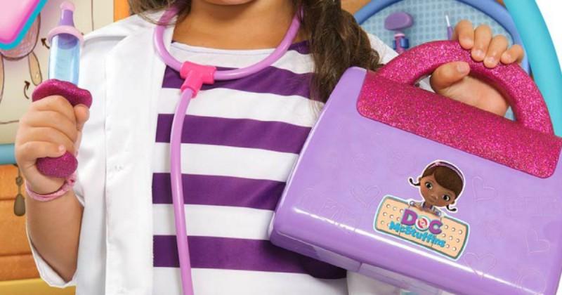 Игровой набор Дисней чемодан фиолетовый доктора Плюшевой + аксессуары, звук