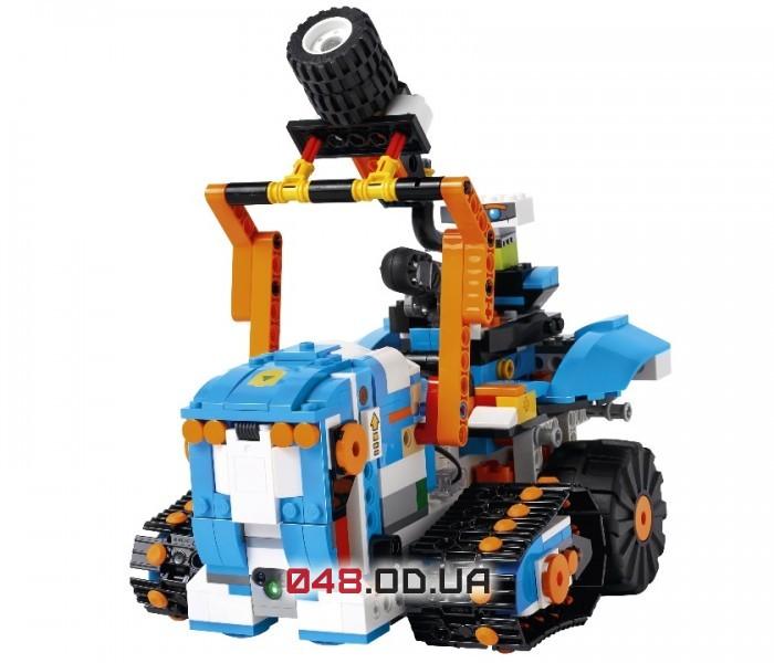 LEGO BOOST Набор для конструирования и программирования (17101)