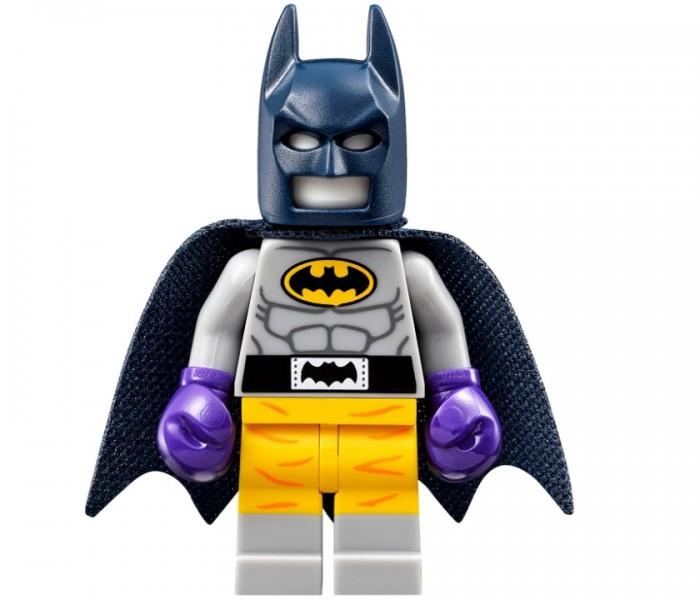THE LEGO BATMAN MOVIE Нападение на Бэтпещеру (70909)